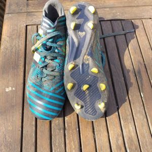 Chaussures de foot taille 36