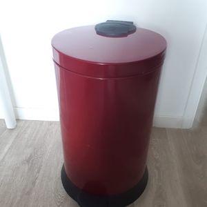 Poubelle rouge 49cm